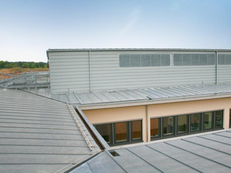 Metalldach Strelitz DRK Krankenhaus